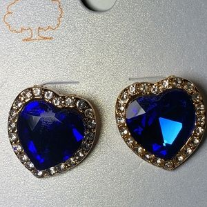Cute Crafted Blue Heart Stone, lined with rhinesto
